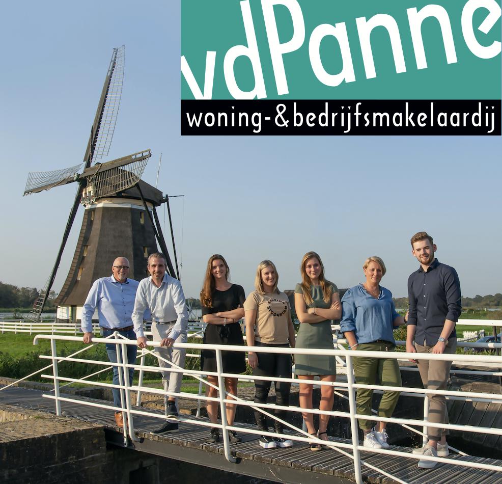 Wedstrijdbal sponsor: Van der Panne makelaardij